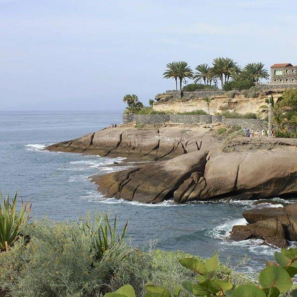 guida alla vacanza perfetta a Tenerife campi da golf a picco sull'oceano Atlantico
