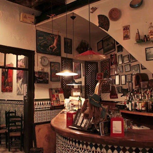 Le 9 migliori cose da fare a Siviglia durante la notte Il bar el Ánima