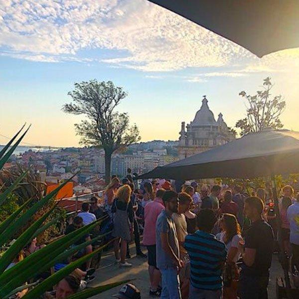 Da uno dei numerosi bar sul tetto si possono ammirare splendide viste sulla città. The Park è uno smart bar che è stato creato sul tetto di un parcheggio ed è perfetto per un drink al tramonto in poi.