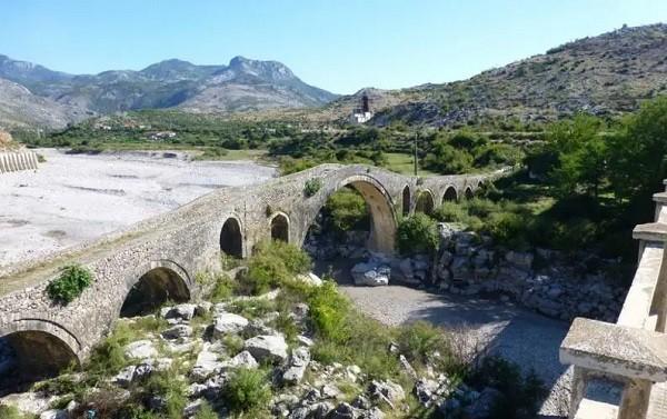 10 luoghi in Albania che i turisti non conoscono Ponte di Mes