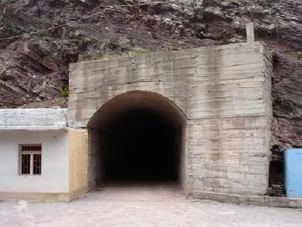 10 luoghi in Albania che i turisti non conoscono Tunnel della guerra fredda