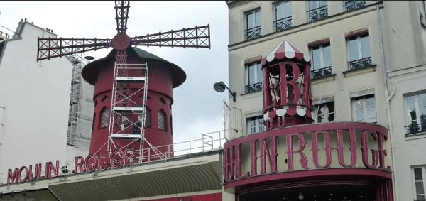 Visitare Parigi: moulin rouge